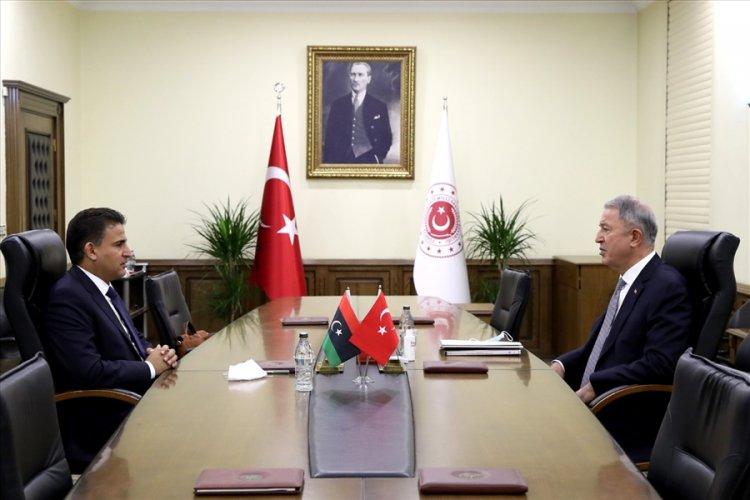 Millî Savunma Bakanı Hulusi Akar, Libya  Savunma Bakanı Selahaddin Nemruş ile görüştü